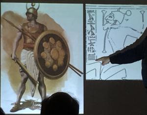 Slide con la ricostruzione di un guerriero Shardana a partire dalle raffigurazioni egizie