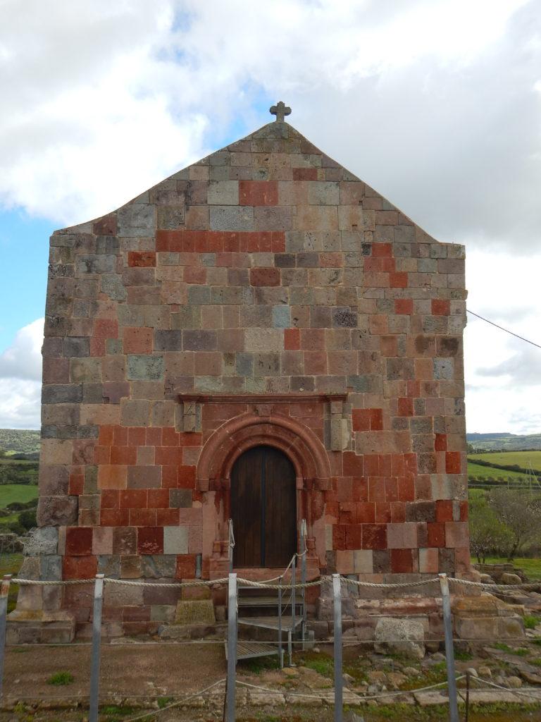 Chiesa di San Lussorio con ingresso del XV secolo
