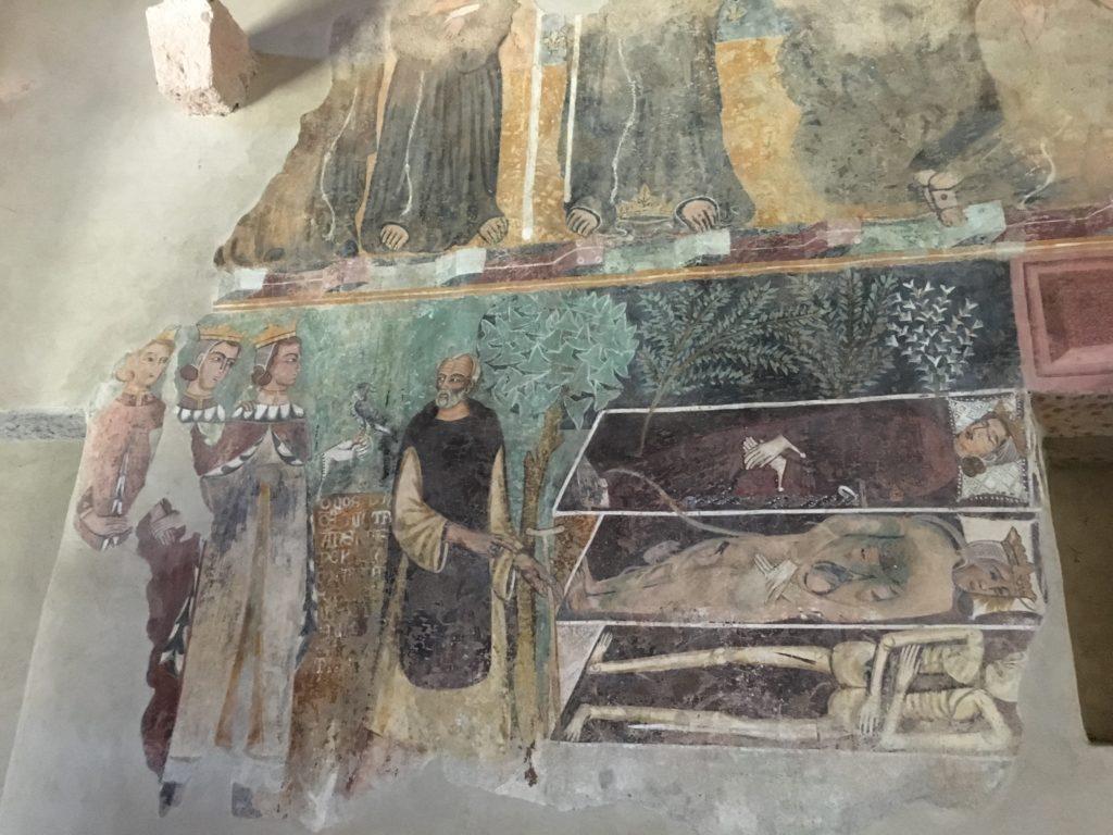 Uno degli affreschi della chiesa di Nostra Signora de Sos Regnos Altos al Castello Malaspina