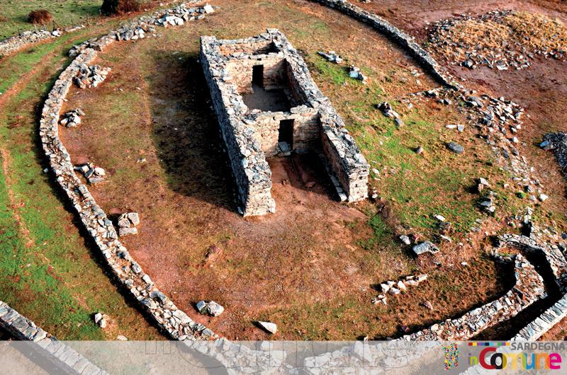 Il tempio a megaron di Domu de Orgia (Esterzili)