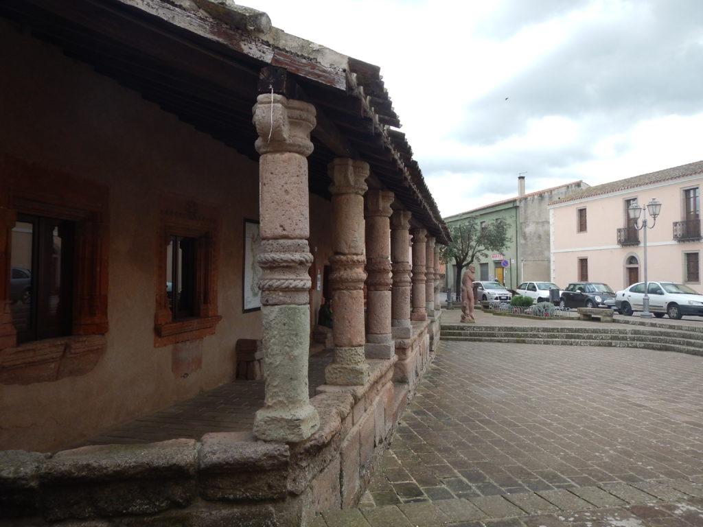 Porticato della Casa Aragonese