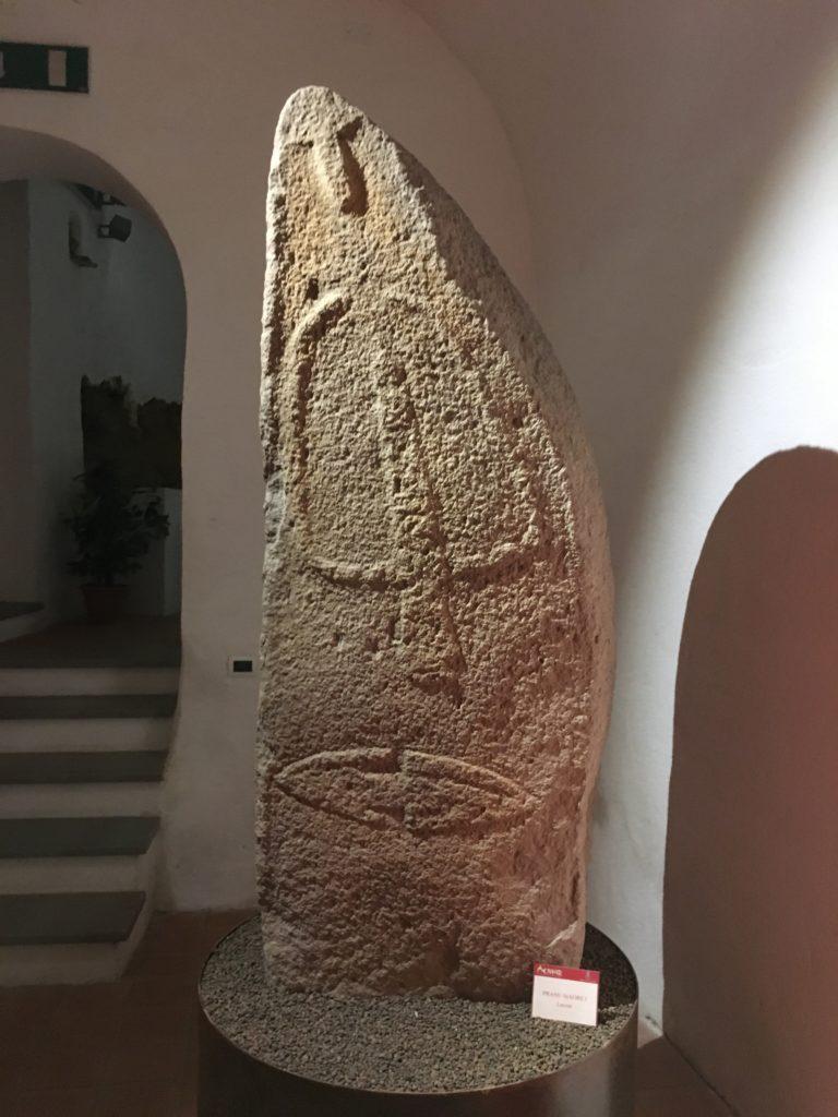 Pranu Maore I (Laconi). Statua-stele