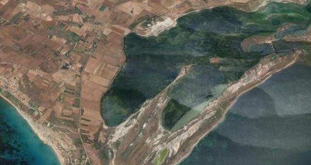 Area in cui sorgeva il porto punico e romano di Tharros (fonte: Google Maps)